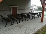 Nové stoly a lavice v Hošticích